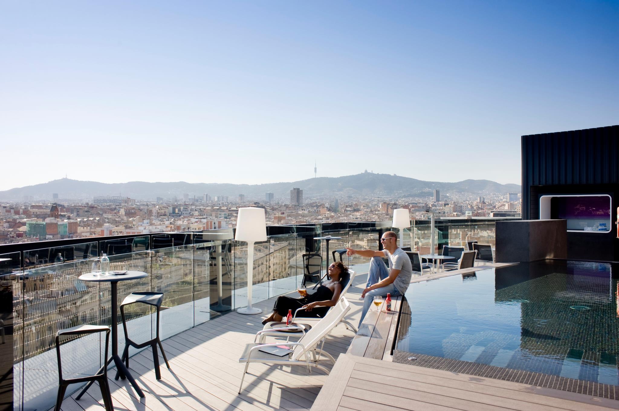 Terraza Hotel Barcelo Raval